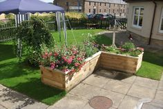 WoodBlocX Raised flower beds are easy to build