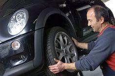 Durchblick in puncto Winterreifen.  Testberichte und Online-Bewertungen helfen weiter.  Die Qual der Wahl beim Reifenkauf.