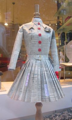fabulous pleated dress out of printed paper