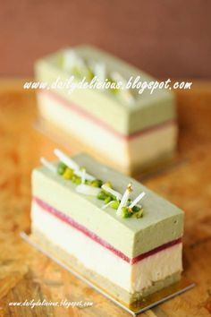 dailydelicious: Pistachio Vanilla Entremets - An entremet or entremets is in modern French cuisine a small dish served between courses or simply a dessert. Fancy Desserts, Sweet Desserts, Just Desserts, Sweet Recipes, Delicious Desserts, Cake Recipes, Dessert Recipes, Mini Cakes, Cupcake Cakes