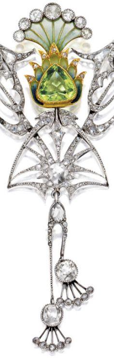 Center detail: Art Nouveau plique-à-jour enamel, peridot, and diamond necklace, circa 1900. Via Diamonds in the Library.