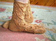 Knitting pattern PDF socks Fern Spiral by lynnevogel on Etsy, Knitting Patterns, Knitting Ideas, Knitting Stitches, Ferns, Spiral, Combat Boots, Knit Crochet, Socks, Trending Outfits