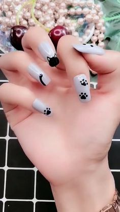 Looking for some cool DIY Nail Art ideas? Our awesome list of nail art tutorials are not impossible to do at home. That'll convince you that you don't actually need to pay someone to do your nails for Trendy Nail Art, Cute Nail Art, Stylish Nails, Nail Art Diy, Easy Nail Art, Nail Art For Kids, Funky Nail Art, Gel Nail Art, Nail Nail