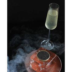 #frenchgrill #molecularnight #modernistcocktails #peachshampagne @moustacheofdeath @abelhacachaca #cachaca #peach #pepper #carbonation #caviar #tin #caviardeduc #frenchgrillexperience #TheArtOfPlating #themoodtherapist #ChefsOfInstagram #foodstarz #foodporn #jwmarriotthotels #jwmarriotthanoi by french_grill
