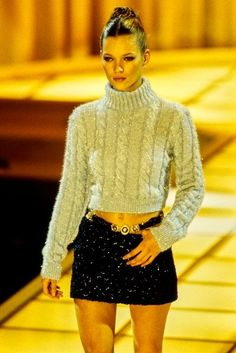 Kate Moss for Versace RTW Fall 94 -You can find Versace and more on our website.Kate Moss for Versace RTW Fall 94 - Runway Fashion, Fashion Models, High Fashion, Fashion Show, Fashion Outfits, Fashion Design, Versace Fashion, Fashion Art, Fall Fashion