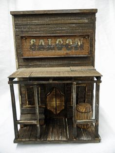 Made to look like an old west saloon. Bird House Plans, Bird House Kits, Bird Houses Diy, Dog Houses, Bird House Feeder, Bird Feeders, Old Western Towns, Old West Saloon, Old West Town