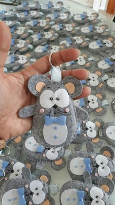 Mouse Crafts, Felt Crafts, Diy And Crafts, Crafts For Kids, Fabric Animals, Felt Animals, Felt Christmas Ornaments, Christmas Crafts, Sewing Crafts