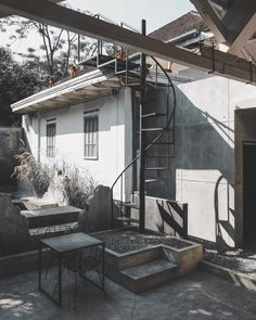 Cafe Interior, Industrial, Architecture, Outdoor Decor, Furniture, Instagram, Home Decor, Arquitetura, Decoration Home