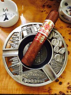 Hoyo de Monterry - Epicure de Luxe - Cuban Cigar