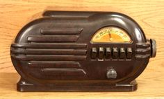 Art Deco radio.  Perfect!