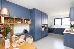 Luxury Kitchen Design, Kitchen Room Design, Kitchen Cabinet Design, Interior Design Kitchen, Kitchen Decor, Kitchen Cabinets, Small Apartment Interior, Room Design Bedroom, Kitchen Furniture