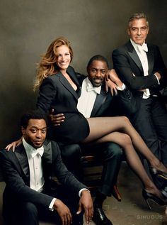 For the annual Vanity Fair Hollywood Issue, the magazine celebrates a year of spectacular film with a group of distinguished actors. The cover, a three-panel foldout by Vanity Fair contributing photographer Annie Leibovitz, features Oscar nominees Jul Group Picture Poses, Poses Photo, Group Poses, Group Pictures, Picture Ideas, Photo Ideas, Robert Mapplethorpe, Julia Roberts, Wedding Photo Group Shots