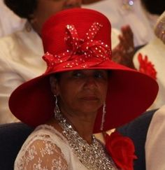 Wide brim red hat with tall crown Church Suits And Hats, Church Attire, Church Hats, Hats For Short Hair, Church Fashion, Love Hat, Hats For Women, Ladies Hats, Red Hats