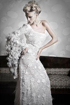 Maravilloso vestido de novia by Diseños Amarca.