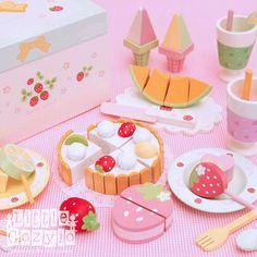 2012+Summer+Sweet+Cafe+Playset.jpg 500×500 pixels
