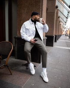 Cool 38 Admiring Men Street Style Outfits Ideas That Make You More Cool In 2019 Winter Outfits Men, Stylish Mens Outfits, Casual Outfits, Grunge Outfits, Urban Outfits, Mode Outfits, Airport Outfits, Men Looks, Herren Outfit