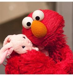 How 'Sesame Street' is helping kids learn to cope with trauma Autism Learning, Autism Activities, Kids Learning, Early Learning, Elmo Memes, Duck Memes, Elmo Wallpaper, Autism Articles, Sesame Street Characters