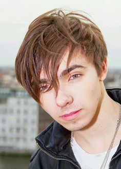 #NATHANSYKES - #THEWANTED   The Wanted's Nathan Sykes is launching a solo career.  The 21-year-old's debut album will be released later this year, with the first single out in the spring.  Nathan is working with Harmony Samuels, Babyface and Diane Warren on his music.  Posted on: Tuesday 27th January 2015, 08:07 AM  Source: CI4TKS™ - The Ticket Search Engine! www.EntertaimmentNe.ws   Author: Click It 4 Tickets  Buy tickets online at www.clickit4tickets.co.uk/music