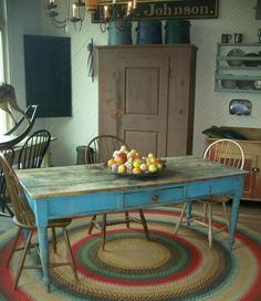 love the blue table!