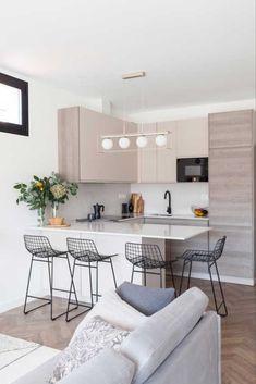 Moderne und funktionale Reform in Madrid Open Plan Kitchen Living Room, Kitchen Room Design, Home Room Design, Interior Design Kitchen, House Design, Small Apartment Interior, Small Apartment Kitchen, Apartment Design, Small Modern Kitchens