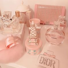 perfume and lotion organization Baby Pink Aesthetic, Peach Aesthetic, Princess Aesthetic, Aesthetic Grunge, Aesthetic Vintage, Aesthetic Pastel, Pink Love, Cute Pink, Harry Pottertattoo