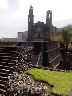 Plaza Las Tres Culturas. Tlatelolco. Distrito Federal