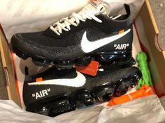 Virgil Abloh's OFF-WHITE x Nike AIR VAPORMAX flyknit Nike Basketball Shoes, Running Shoes Nike, Nike Shoes