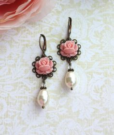 Vintage inspired. Sweet rosebud + pearl earrings.