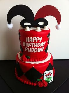 Harley Quinn cake. I want one of these for every birthday for the rest of my life. Thanks.