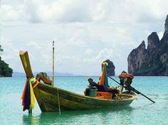 Tailândia, um destino para férias de sonho Ko Samui, Thailand, Boat, Summer Vacations, Travel Guide, Viajes, Dreams, Dinghy, Boats