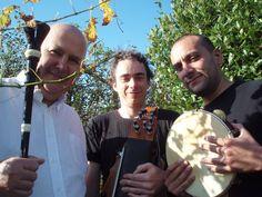 Kren Douar de Roland Becker avec de g. à dr. Roland Becker, Gurvan Liard et Olivier Filangi. Photo : Laure Le Gurun, 2008.