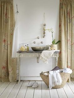 beige bath