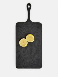 A Moody and Minimalist Black Cutting Board