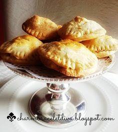 Charm Bracelet Diva {at Home}: Salted Caramel Apple Pies