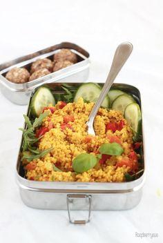 Onepot-Hirse mit viel Curry und knackiger Paprika machen sich super als gesunder Lunch für's Büro. Das Beste: Das Gericht ist in 30 Minuten für 2-3 Tage vorgekocht und kann warm oder kalt geg…