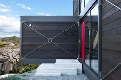Box™ 'Classic'. Cantilevered