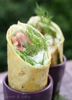 Comme je travaille à l'heure du déjeuner, je fais souvent des wraps. C'est pratique, rapide et délicieux. Pas besoin de chauffer ni de cuire... et c'est bien plus léger qu'un sandwich. Aujourd'hui je vous propose celui au saumon fumé à l'aneth, d'autres...