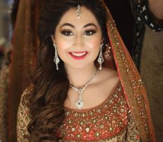 """WIM Enjoyed and Liked on instagram from natashasalon: And while we have been busy with some amazing editorials our Masterclasses  celebrity profiles  we have also been dolling up our stunning brides  Next up gorgeous Husna who came to us for two of her events and here got a soft bronzed out eye with our #100wattskin and a raspberry / orange lip here is what she had to say about the experience """" It was a great experience. Hina & Natasha and the rest of the crew put me totally at ease and I…"""