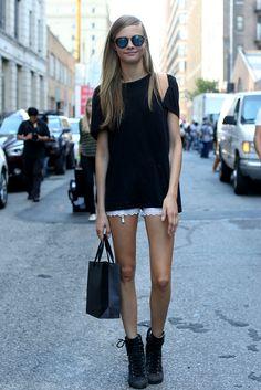 Black tee and crochet shorts - a cute summer look.