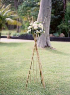 Backyard Wedding from Byron Loves Fawn Art Deco Wedding, Diy Wedding, Rustic Wedding, Wedding Flowers, Outdoor Wedding Decorations, Ceremony Decorations, Flower Decorations, Byron Love, Design Floral