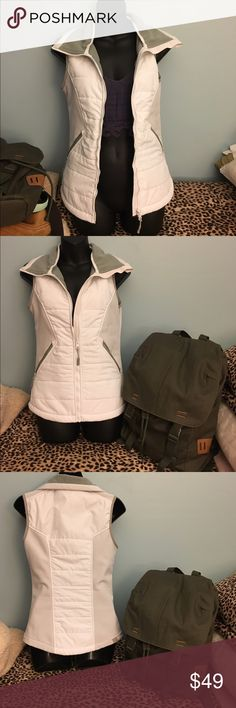 Bench vest jacket Like new .. Size xs Bench Jackets & Coats Vests