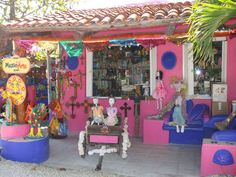 My Favorite Store in Mexico! Mexi Art! Must visit if you are in the Akumal Area! (Also best snorkeling around @ Yal-Ku Lagoon ) -e.v