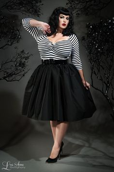 Jenny Skirt in Black Sharkskin Taffeta - Plus Size