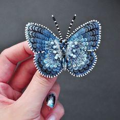 Нет описания фото. Bead Embroidery Jewelry, Beaded Embroidery, Beaded Jewelry, Bead Crafts, Jewelry Crafts, Brooches Handmade, Handmade Gifts, Sequin Appliques, Butterfly Jewelry