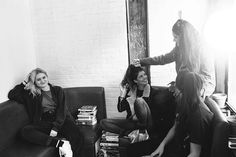 About A Band: Hinds - Urban Outfitters - Blog