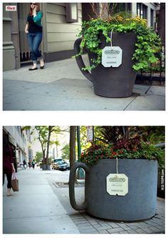 Guerilla marketing & advertising captivates viewers' attention like no other form of marketing. Guerilla marketing uses creative unconventional strategies. Street Marketing, Guerilla Marketing, Experiential Marketing, Marketing Quotes, Marketing Tools, Marketing Digital, Business Marketing, Email Marketing, Content Marketing