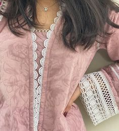 Sleeves Designs For Dresses, Neck Designs For Suits, Dress Neck Designs, Fancy Dress Design, Stylish Dress Designs, Simple Kurta Designs, Kurta Designs Women, Simple Pakistani Dresses, Pakistani Dress Design