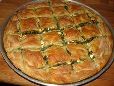 Greek Pita, Pita Recipes, Spanakopita, Quiche, Feta, Sweet Home, Food And Drink, Pie, Cooking