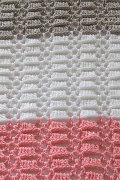 Try this quick and easy crochet blanket for baby. This afghan pattern is made up of a beautiful stitch and is perfect for beginners. # crochet baby blanket free pattern unisex Easy Crochet Blanket for Baby, Perfect for Beginners - Crochet Dreamz Crochet Afghans, Crochet Baby Shawl, Crochet Baby Blanket Free Pattern, Easy Crochet Blanket, Manta Crochet, Basic Crochet Stitches, Crochet Basics, Kids Crochet, Baby Afghans