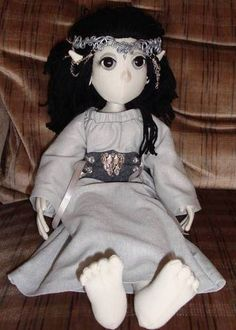 lotr poppet. awe the poppet-y goodness.